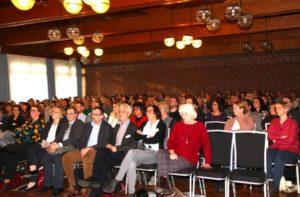 300 Teilnehmer aus, Medizin, Jugendhilfe, Polizei und Justiz
